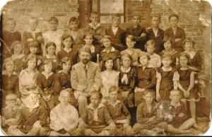 Nieopisane szkolne zdjęcie