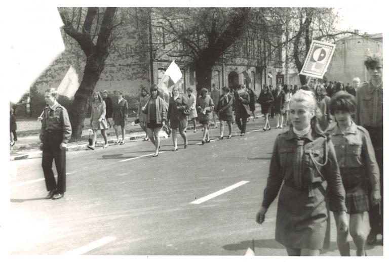 Pochód pierwszomajowy w Ożarowie 1968 rok