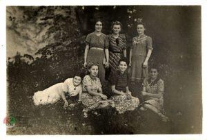 Dziewczęta wParku Ołtarzewskim 1938 rok